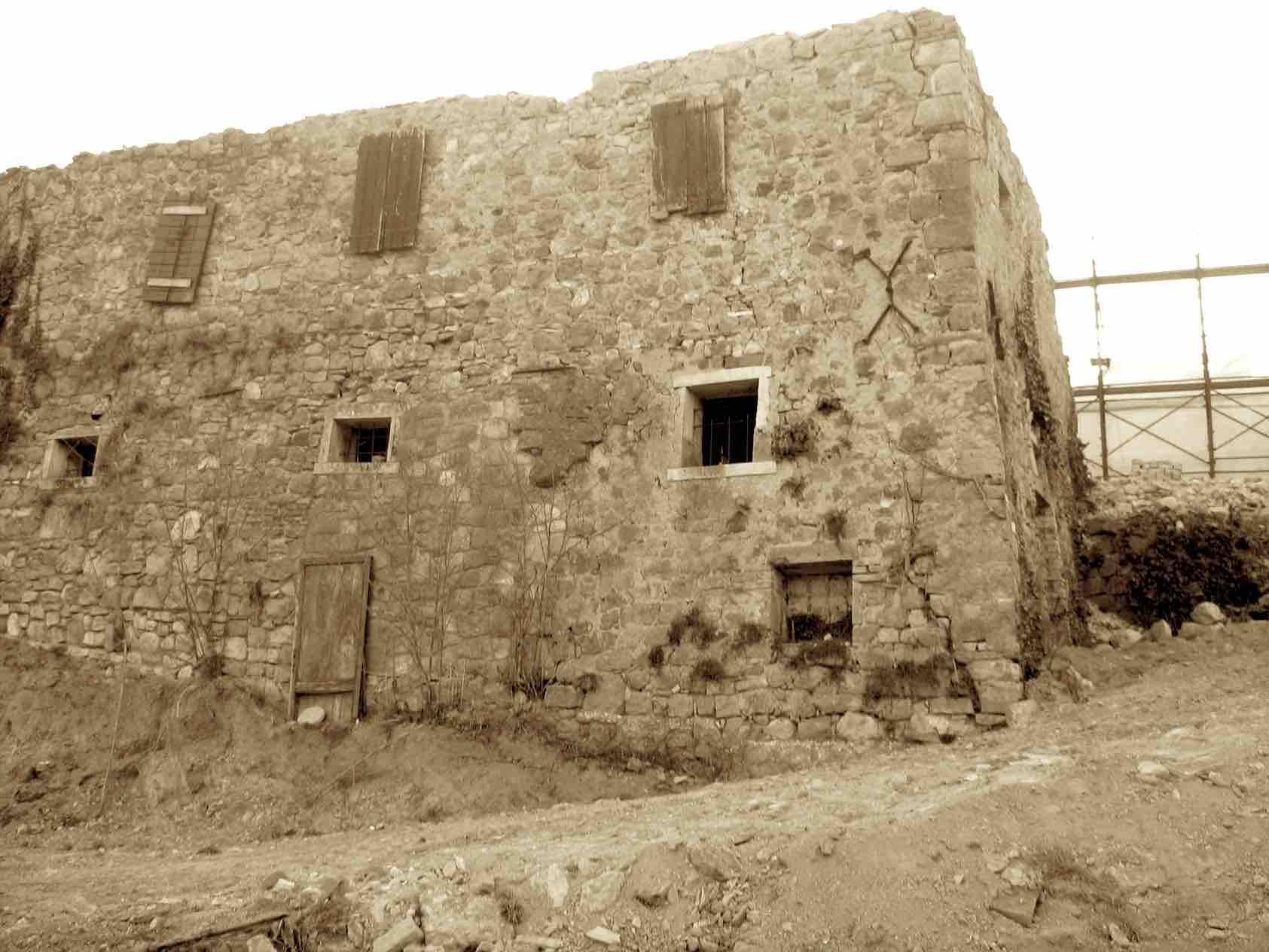 Casa Lauro prima del restauro